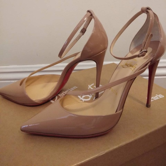 new product 0dd62 40972 AUTHENTIC Christian Louboutin Fliketta Nude Pumps